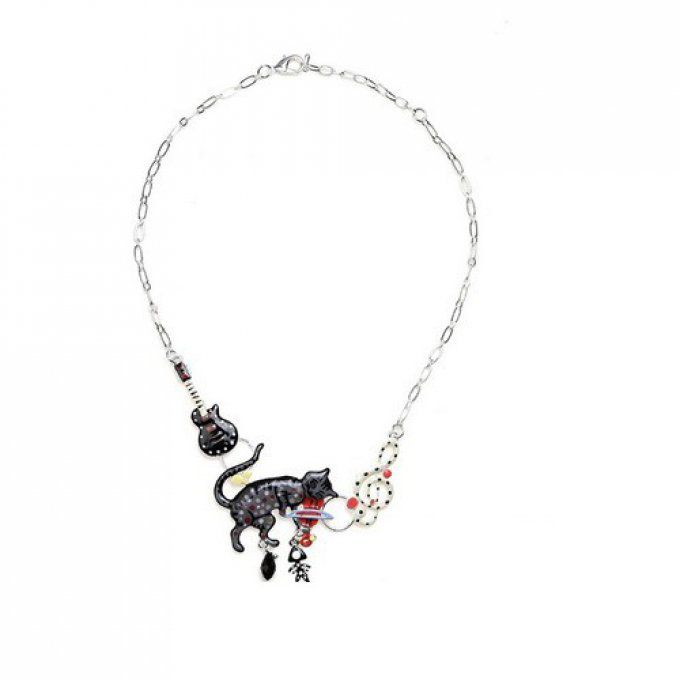 collier chat musicien avec son violon